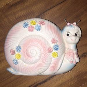 VTG • Snail Planter •
